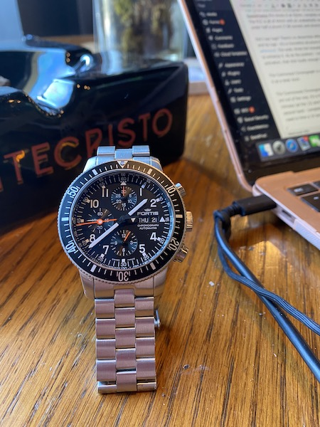 Fortis Cosmonauts Chronograph stand up