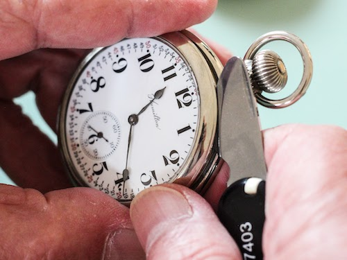 Set a lever set pocket watch - pry off the bezel