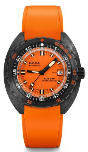 DOXA SUB 300 Carbon Professional