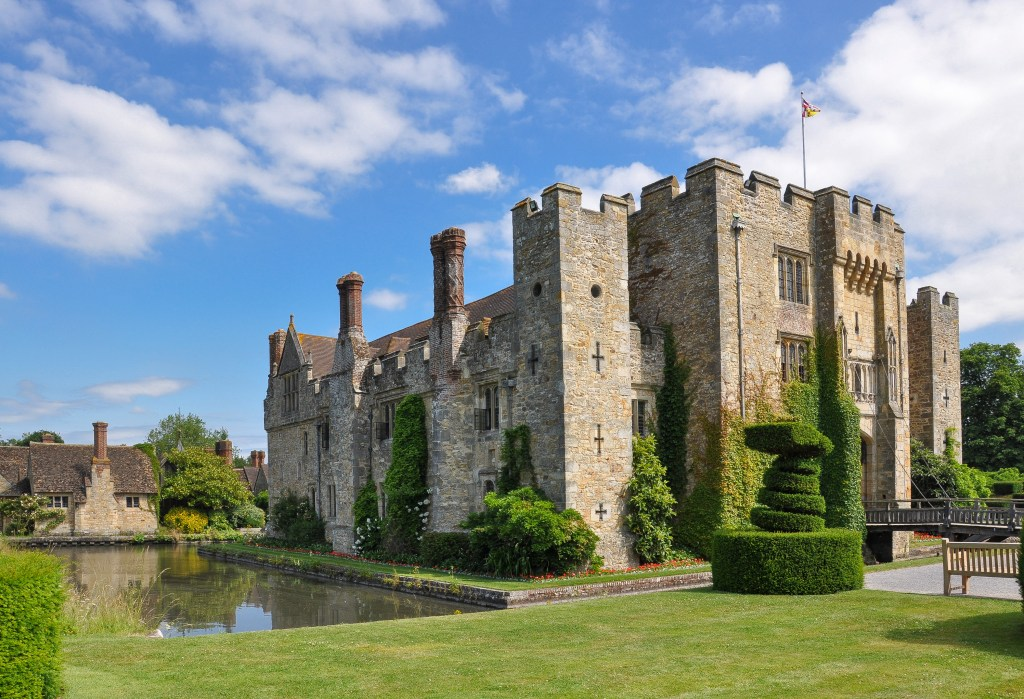 Photos of the front and west range of Hever Castle today.