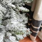 How To Flock A Christmas Tree The Turquoise Home
