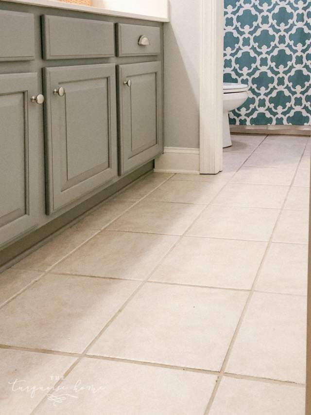 peel and stick floor tile before 1