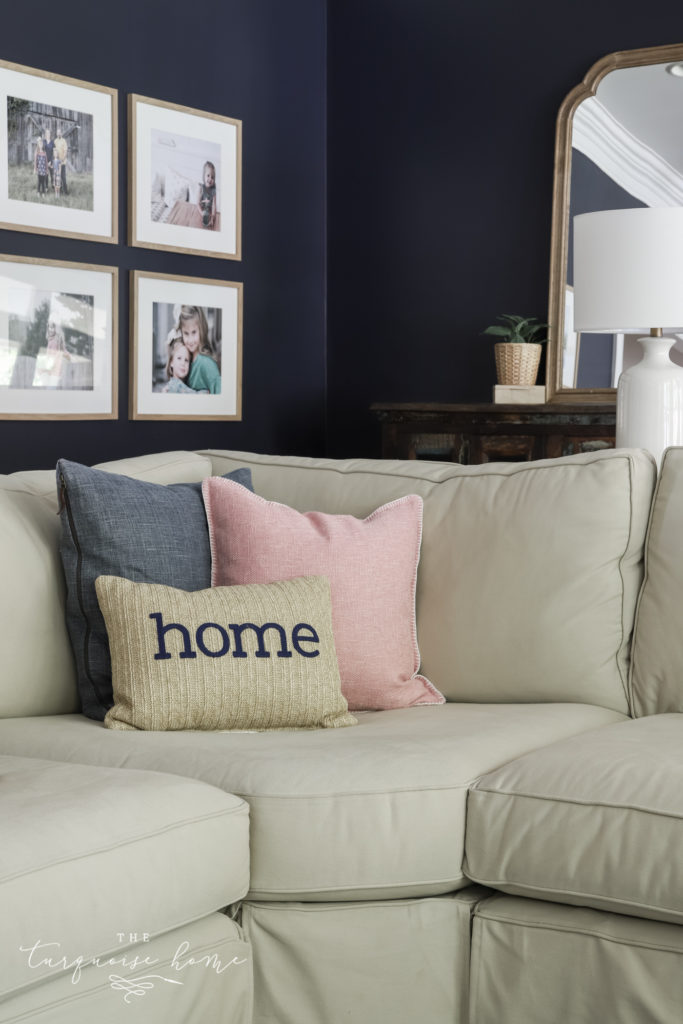 choose and style sofa pillows