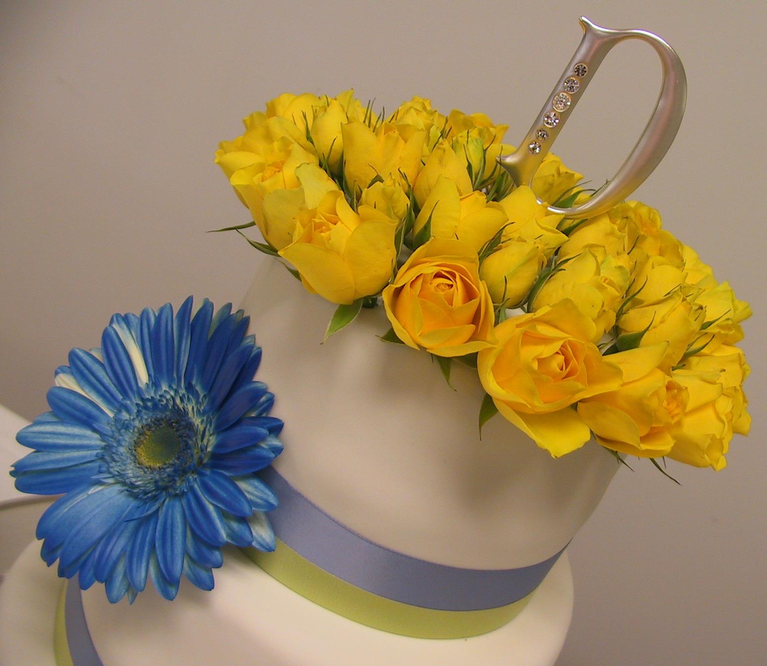 blue gerber daisy topper