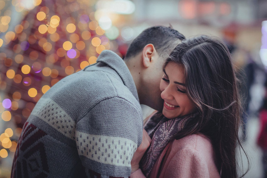 7 Signs Of Strong Physical Attraction When You're In Love
