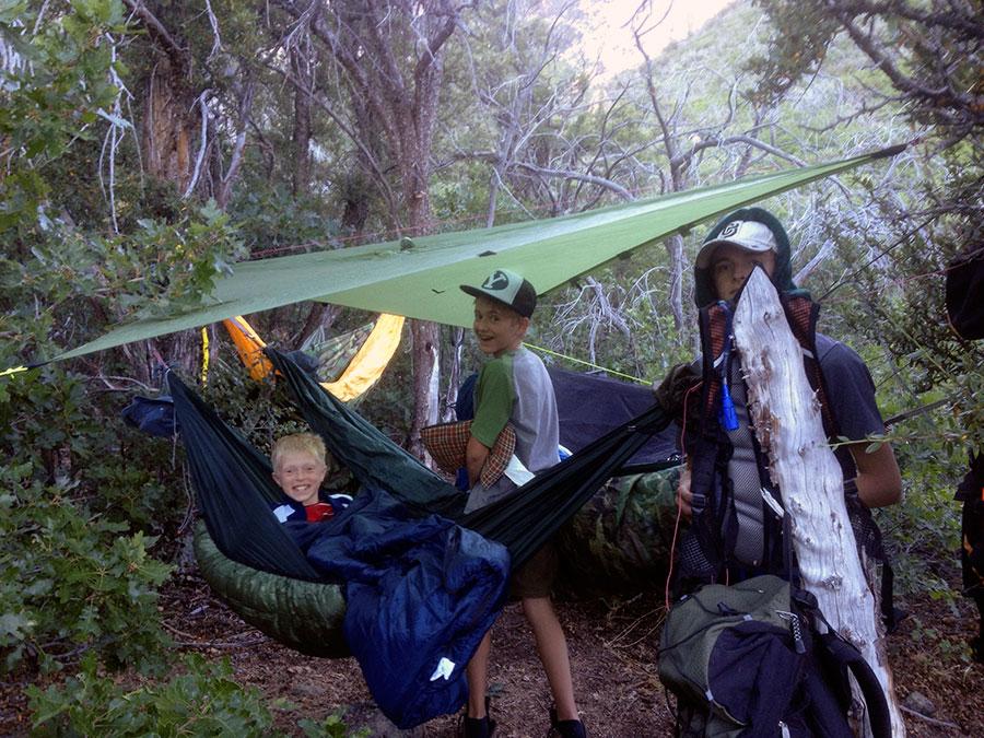oak-grove-happy-hangers