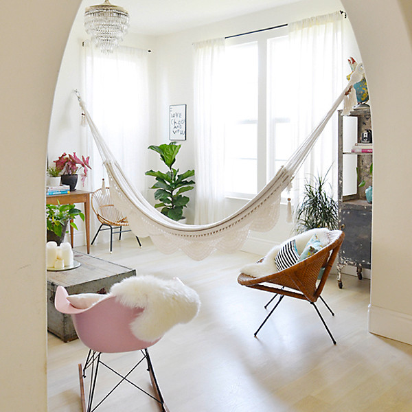Indoor hammock hanging kits and tips the ultimate hang for Pictures to hang in room