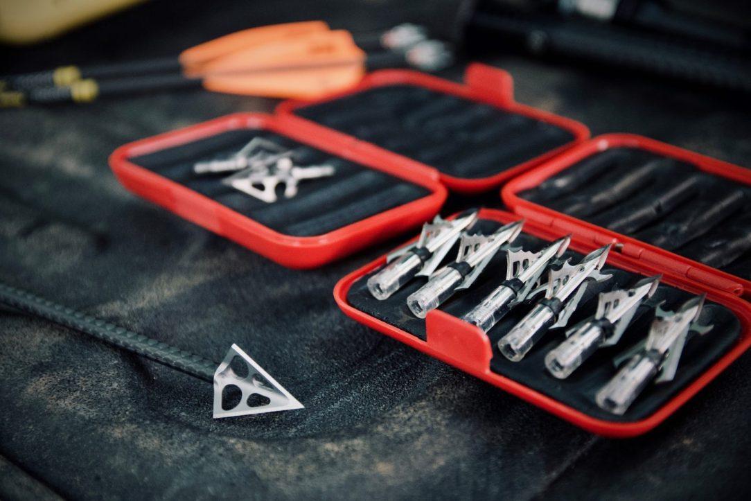 The broadhead dilemma: Do I buy mechanical or fixed?