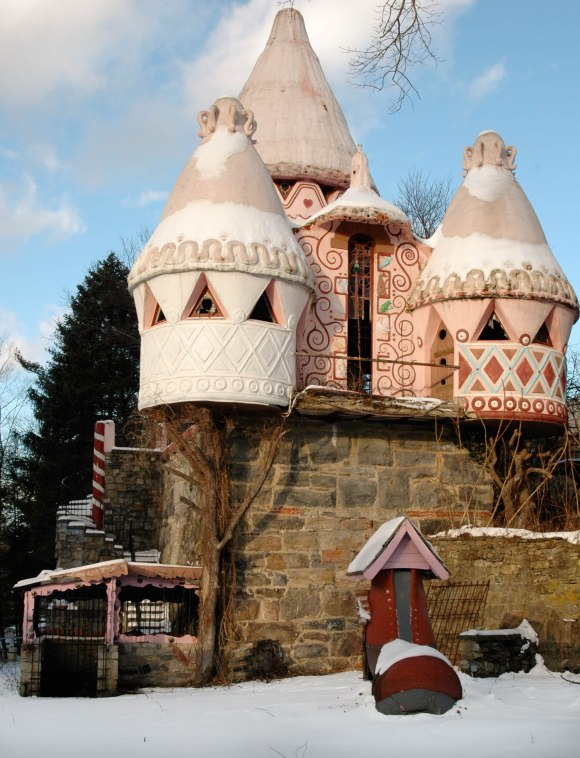 Gingerbread Castle (1 of 2)