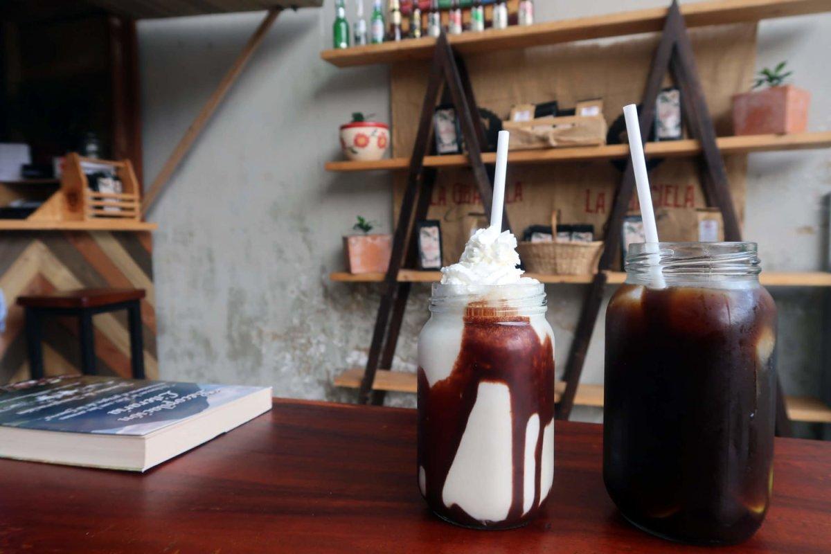 Coffee cocktails at La Graciela Venecia Antioquia