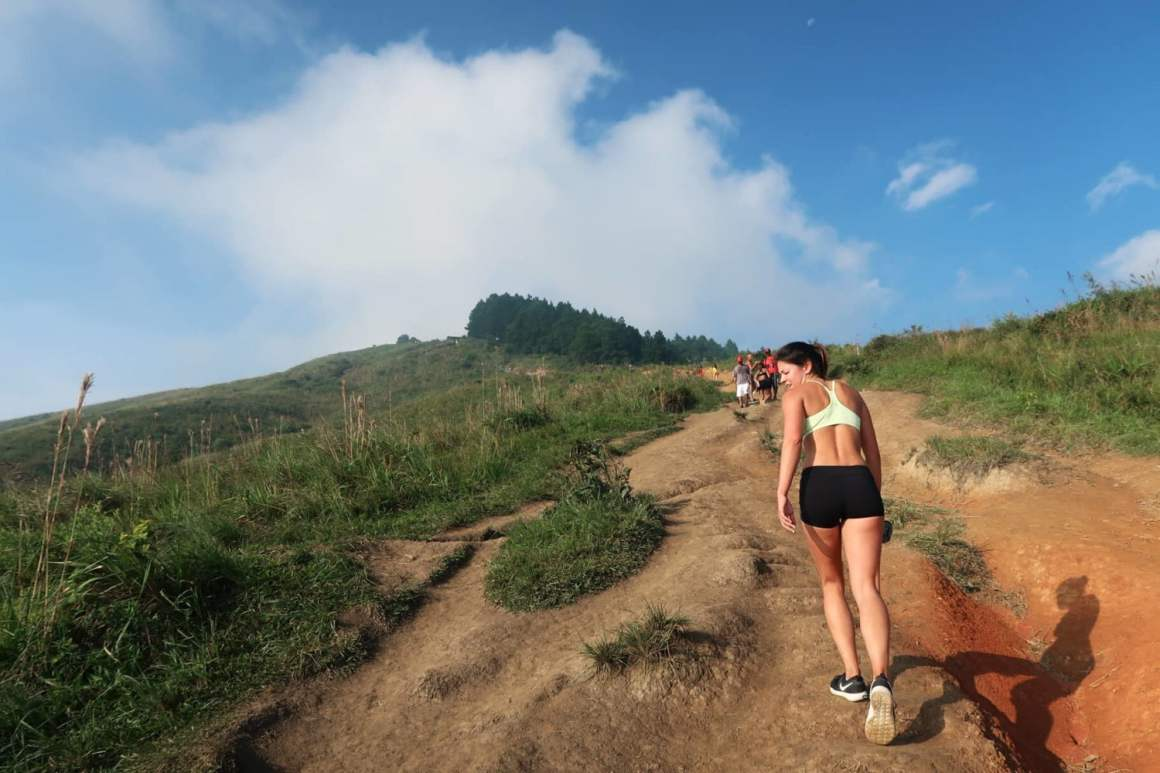 kim making her way up cerro tres cruces in medellin colombia