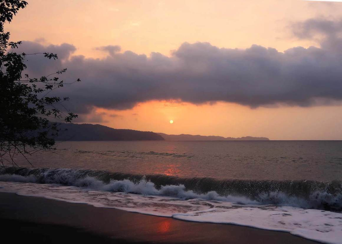 Sun setting viewed from Playa Mecana