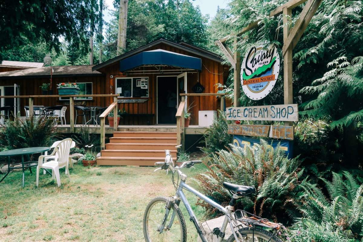 the only shop savary island