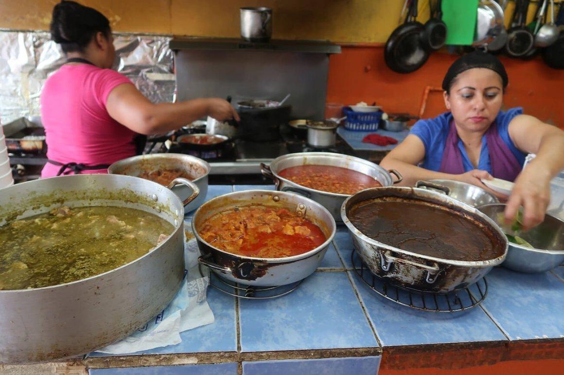 Pots of food at Doña Paula's restaurant in Playa del Carmen