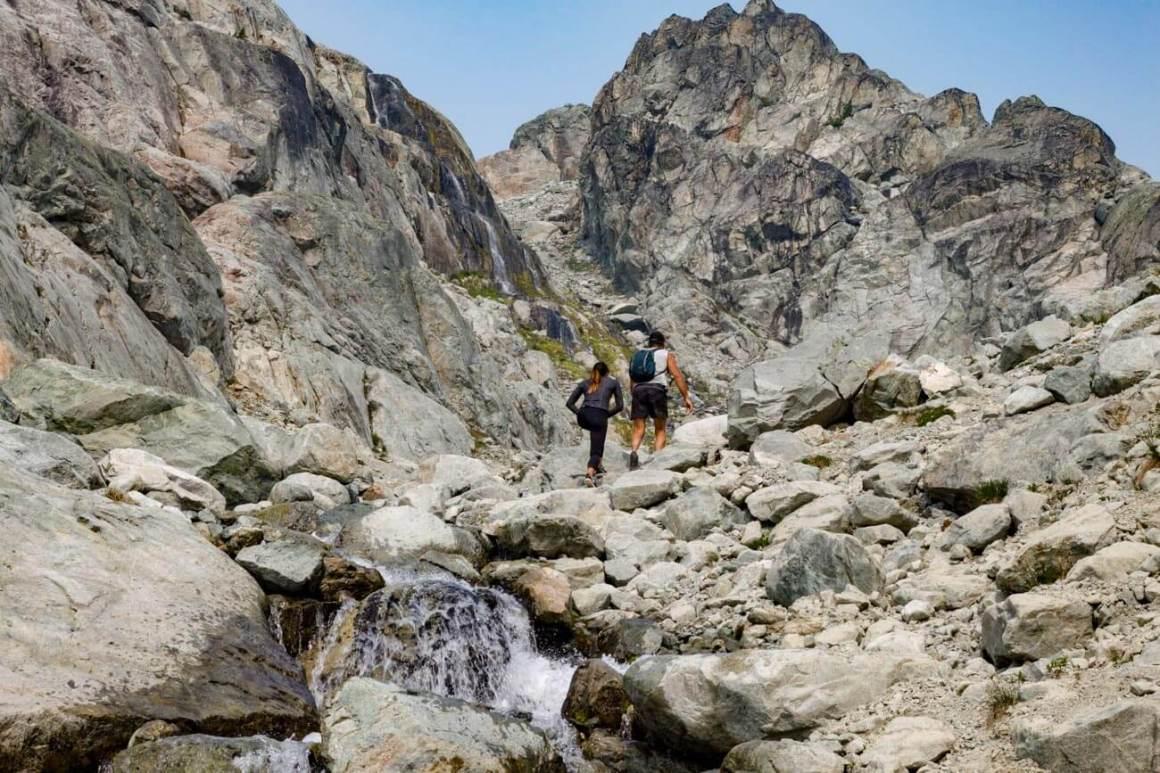 Scrambling up the rocks towards Brandywine Mountain