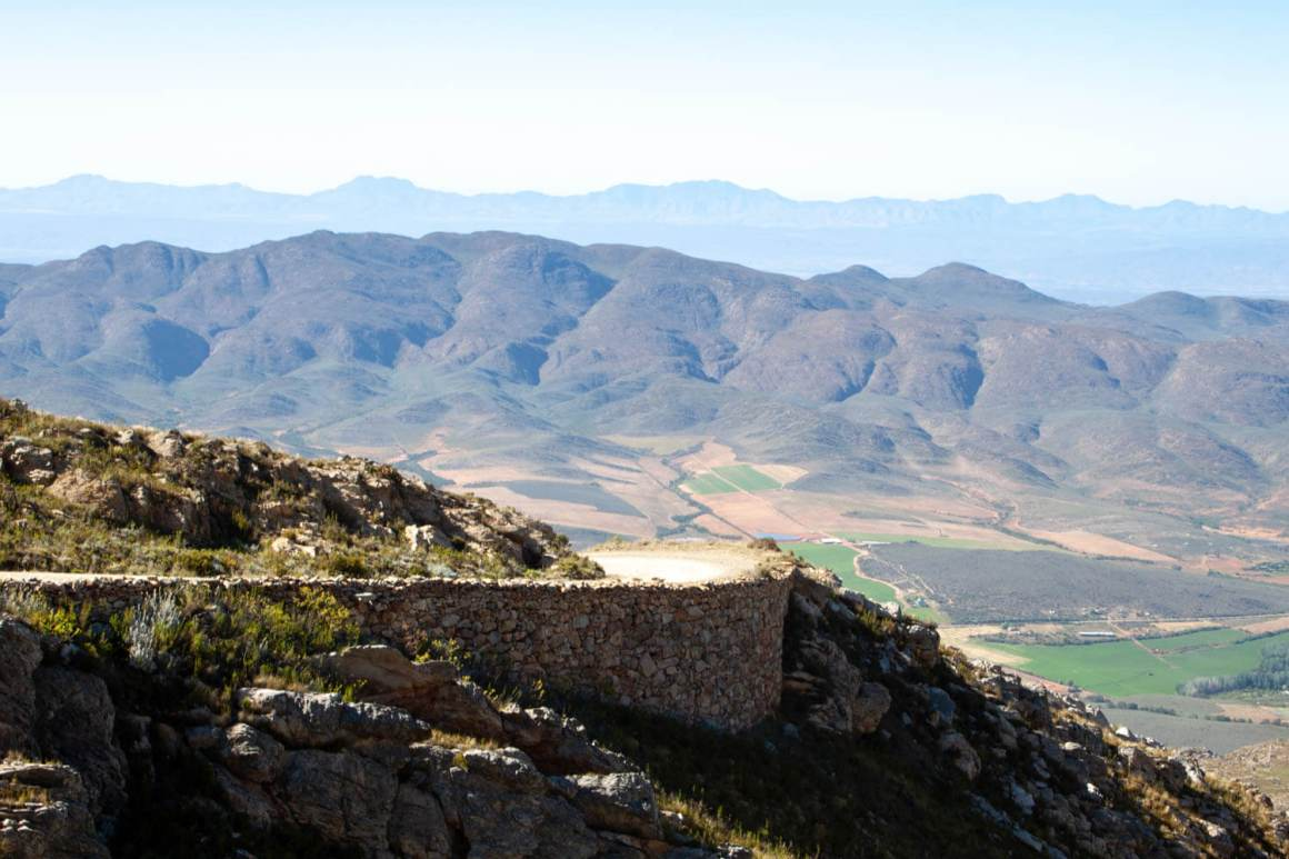Swartberg Pass with valley below