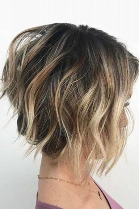 Bob-Wavy-Hair New Cute Hairstyles for Short Hair