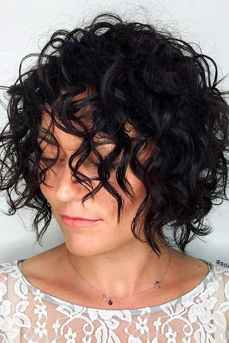 Curly-Bob-Hairtyle Short Trendy Hairstyles 2018