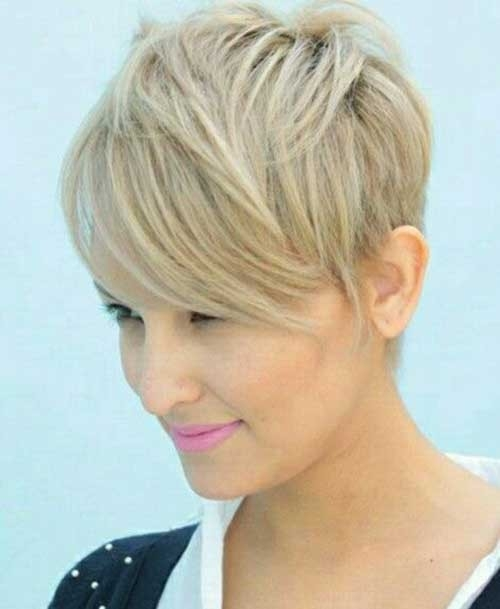 Grow-Out-A-Pixie-Cut Splendid Layered Short Haircuts for Ladies