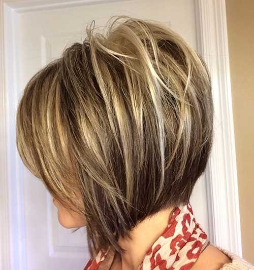 Highlighted-Inverted-Layered-Bob-Hairstyle-1 Inverted Bob Haircuts