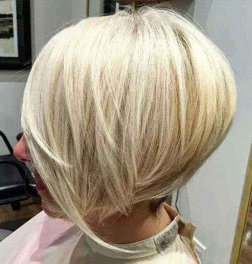 Layered-Inverted-Bob-for-Straight-Hair Splendid Layered Short Haircuts for Ladies