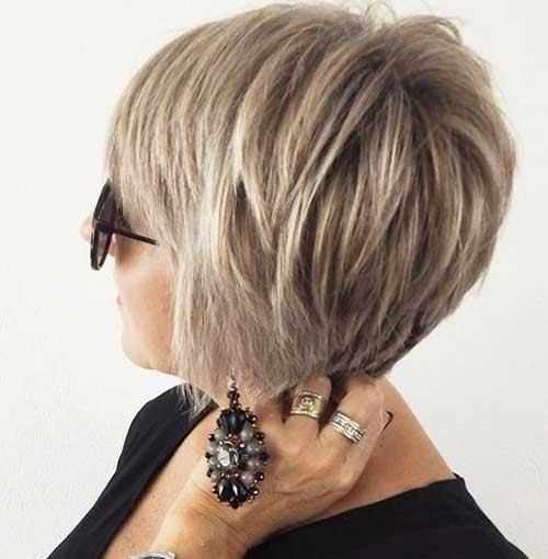 Layered-Short-Bob-Hairstyle Chic Short Bob Haircuts for 2018