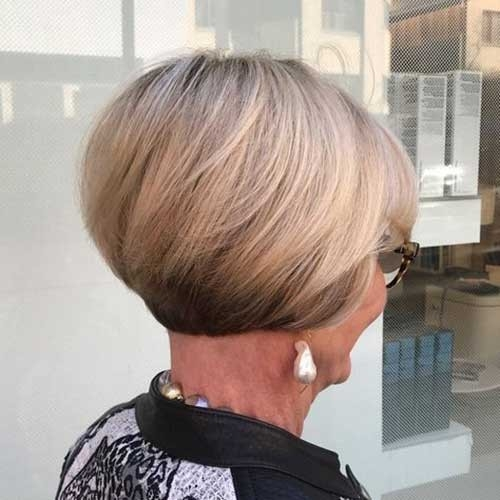 Popular-Stacked-Short-Haircut Best Short Haircuts for Older Women