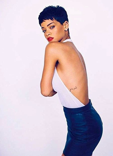 Rihanna-Gorgeous-Look Best Rihanna Short Hairstyles
