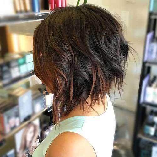 Trendy-Medium-Haircut Splendid Layered Short Haircuts for Ladies
