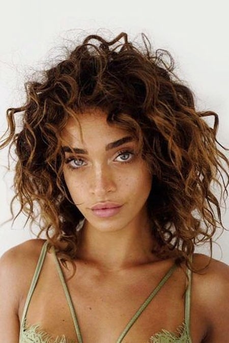 Vintage-Style Haircuts for Short Curly Hair