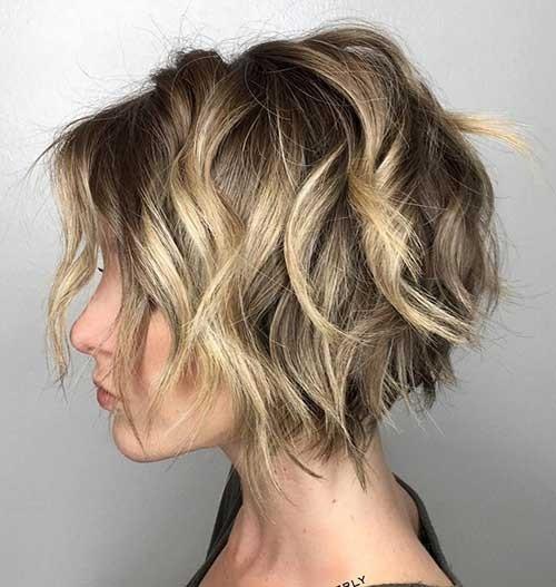 Wavy-and-Choppy-Short-Hair Must-See Choppy Short Haircuts 2018