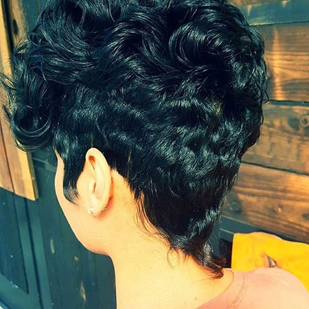Back-View Best Short Hairstyles for Black Women