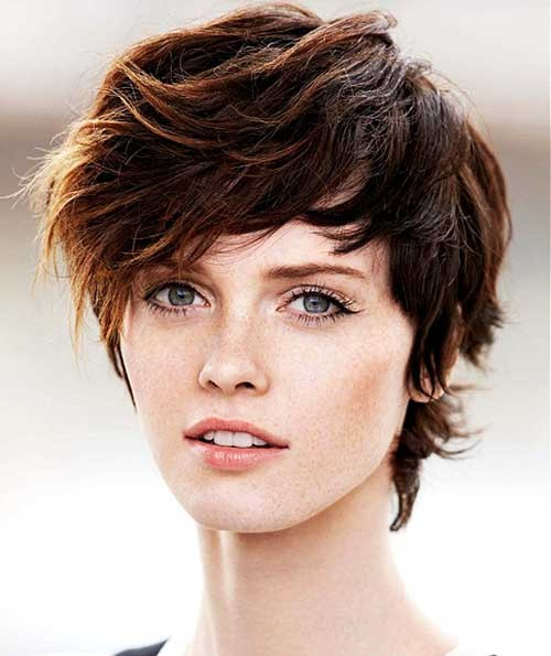 Chic-Short-Shaggy-Hairstyle-for-Girls Short Shaggy Haircuts