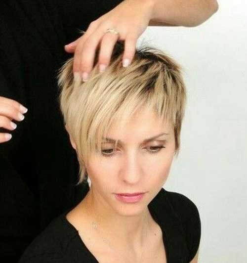 Choppy-Layers-Pixie-Haircut-2018 Best Pixie Haircuts for 2018