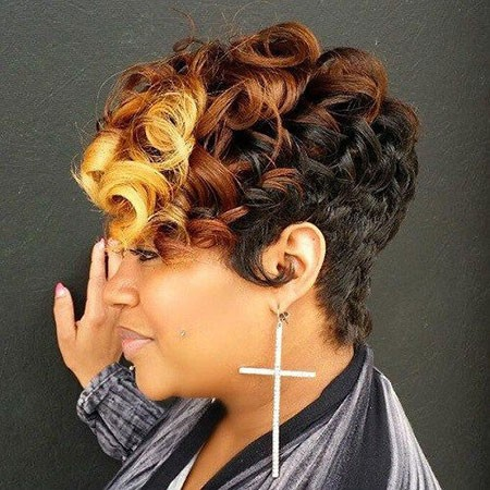 Curls-with-3-Colors Cute Short Hairstyles for Black Women
