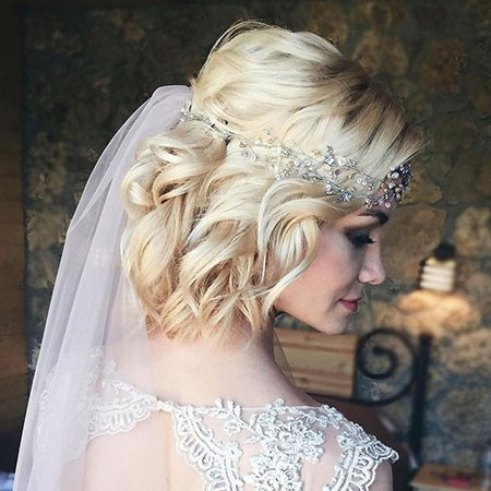 Curly-Bob-Wedding-Hairtyles Bridal Hairstyles for Short Hair