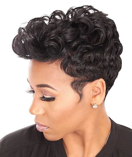 Curly-Mohawk-Style Cute Short Hairstyles for Black Women