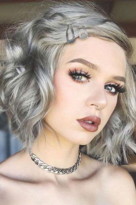 Grey-Blonde-Hair Short Layered Wavy Hairstyles