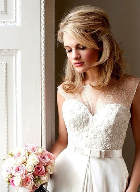 Mid-Length-Wedding-Hair Bridal Hairstyles for Short Hair