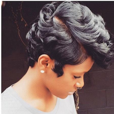 Pixie-Cut-2 Best Short Hairstyles for Black Women
