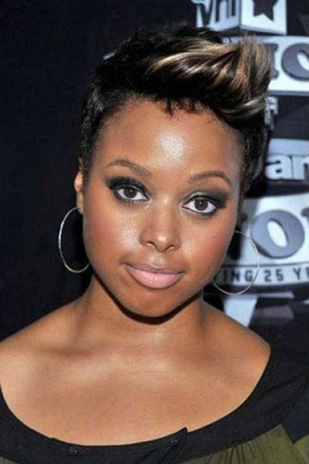 Short-Hairtyles-Black-Women-Round-Face Short Haircuts for Black Women with Round Faces