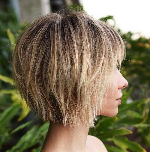 Short-Layered-Tousled-Bob-with-Bangs Beautiful Layered Short Haircuts for Ladies