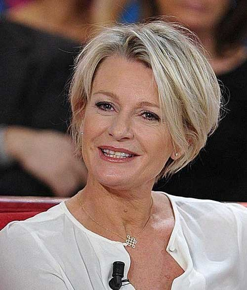 Sophie-Davant-Short-Hair Best Short Haircuts You will Want to Try