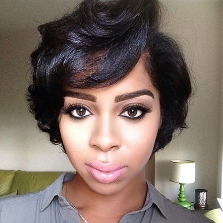 Wavy-Style Cute Short Hairstyles for Black Women