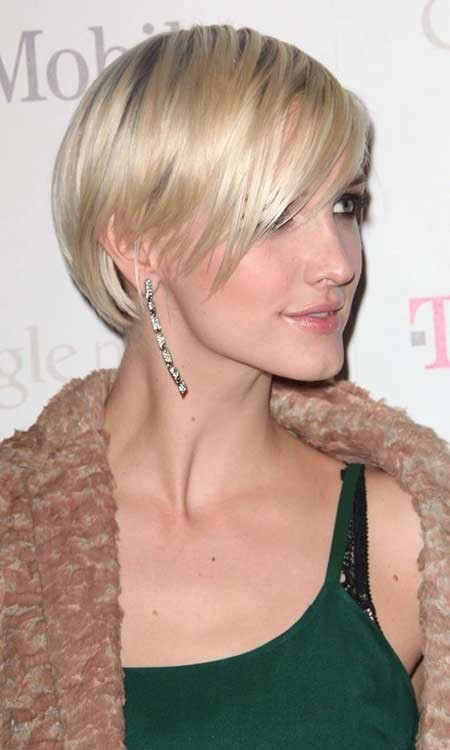 Blonde-Simple-Two-Colored-Bob Layered Bob Haircuts
