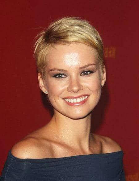 Cute-Blonde-Hair Best Womens Short Haircuts