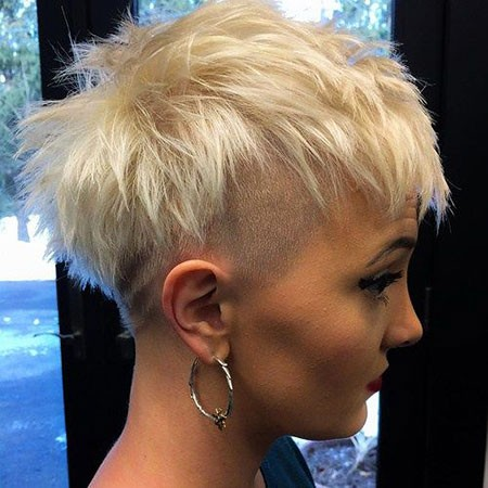 Messy-Pixie-Hair Best Womens Short Haircuts