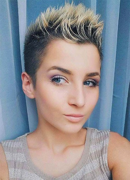 Mohawk-Style-with-Highlights Best Womens Short Haircuts