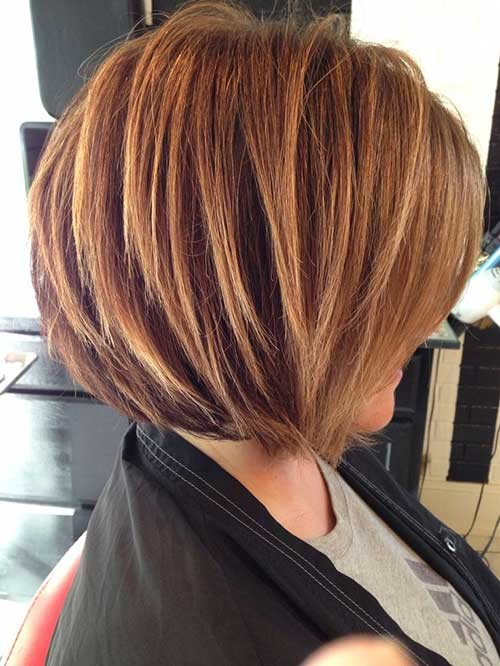 Stacked-Bob-Haircut-with-Blonde-Highlights Short Stacked Bob Hairstyles