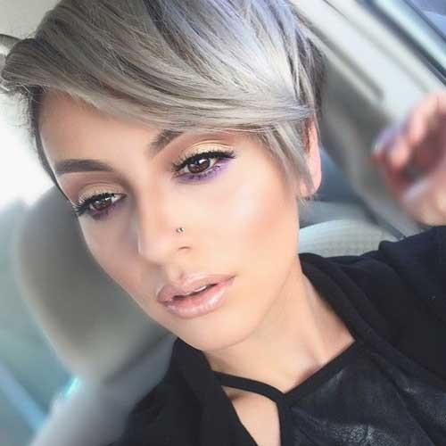 Stylish-Short-Blonde-Pixie-Haircut Best Short Pixie Cuts